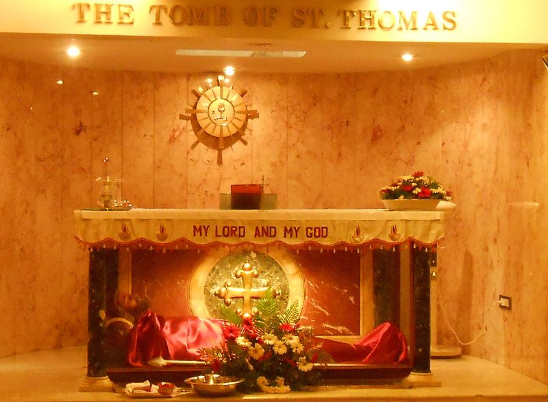 800px-Tomb_of_St._Thomas_in_India
